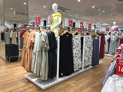 Commercial Opportunity for Clothing Display Racks