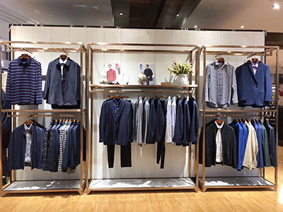 Comparisons of Different Clothing Display Racks