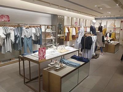 Display Table in Clothing Display Racks