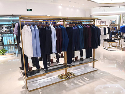 How to Improve the Image and Benefit of the Shop by Clothing Display Racks