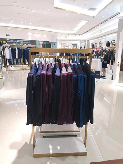Individualized Customized Clothing Display Racks