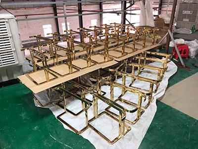 Maintenance Method of Vacuum-plated Stainless Steel Clothing Display Racks