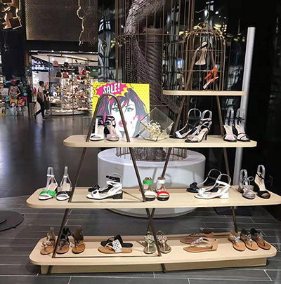 Shoe Display Shelves in Retail Stores