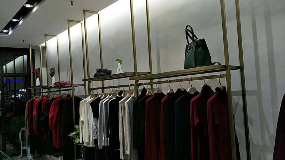 Side-hanging Clothing Display Racks