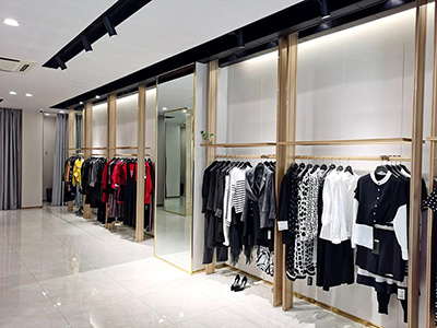 The developing trend for the physical retail stores