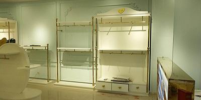 The Development Direction of Fashion Clothing Display Racks