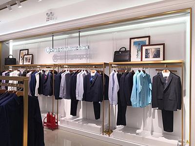 The Development Direction of Fashion Clothing Display Racks on Fashion Shops